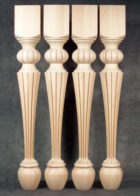 Pied de table bois, ornes de motifs speciaux TL51